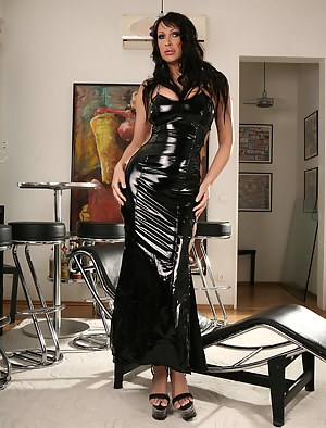 Free Mature Latex Porn Pictures