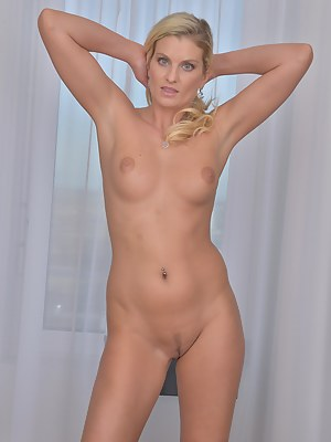 Free Mature Trimmed Pussy Porn Pictures